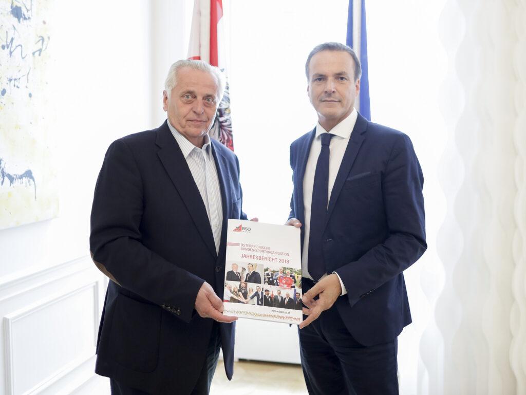 Der kürzlich unerwartet verstorbene BSO- Präsident Rudolf Hundstorfer informierte bei einem Treffen mit dem für die Sport- Agenden zuständigen Minister Eduard Müller über die Dringlichkeit der Anliegen des organisierten Sports.