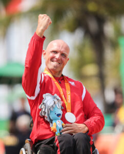 Handbiker Walter Ablinger kennt das Gefühl einer paralympischen Siegerehrung (Foto: Gepa pictures/Christopher Kelemen)