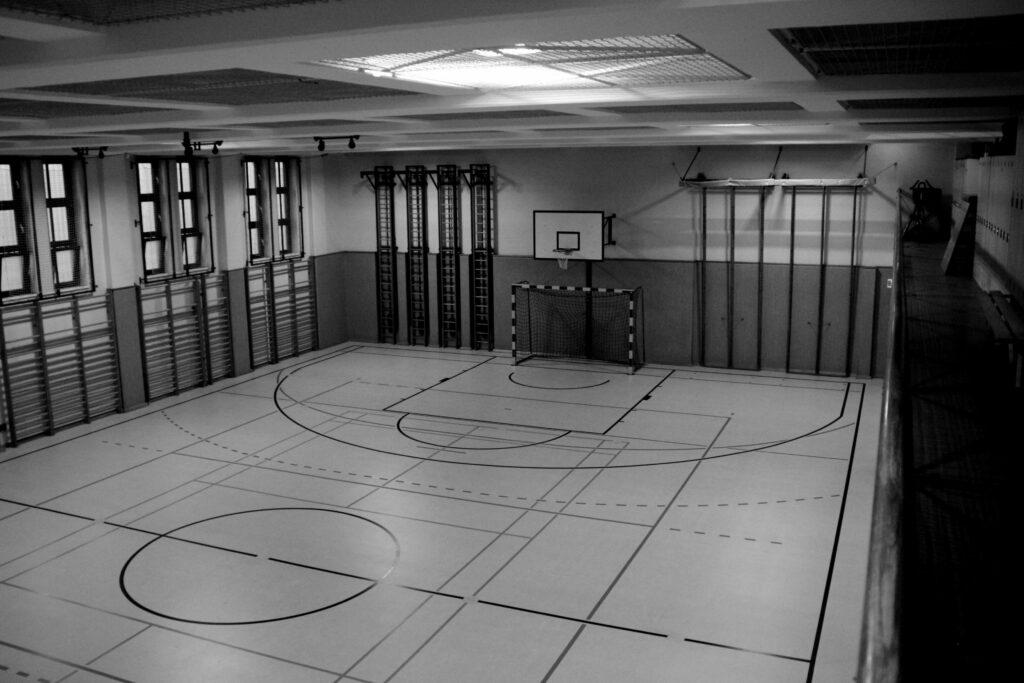 Ein leerer Turnsaal