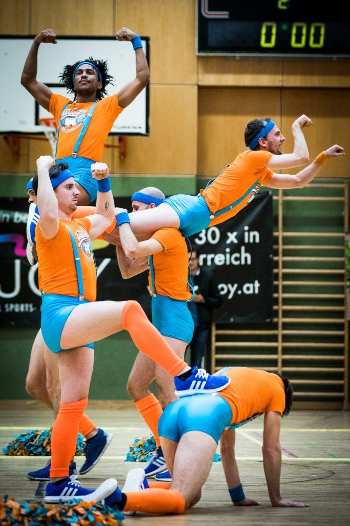 Männliche Cheerleader